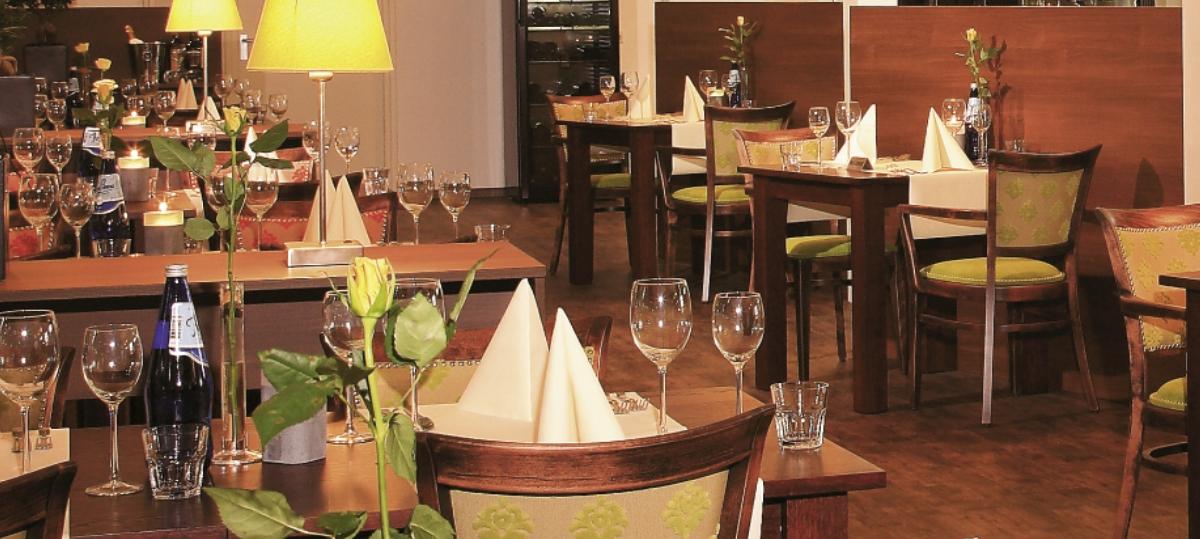 Manege Drenthe, aan de rand van Assen met restaurant